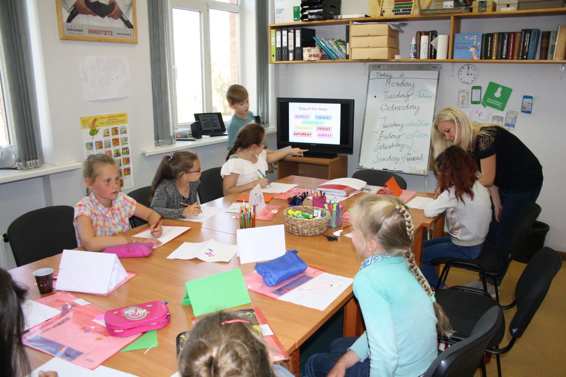 Skrivanek_Baltic_nometne_Back2School (2)